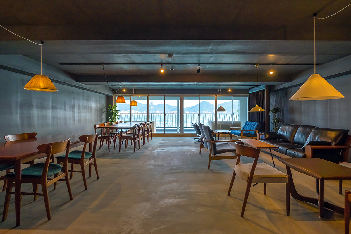 2Fカフェ&バースペース海側